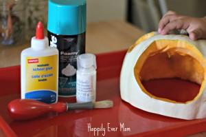 Glue for the pumpkin