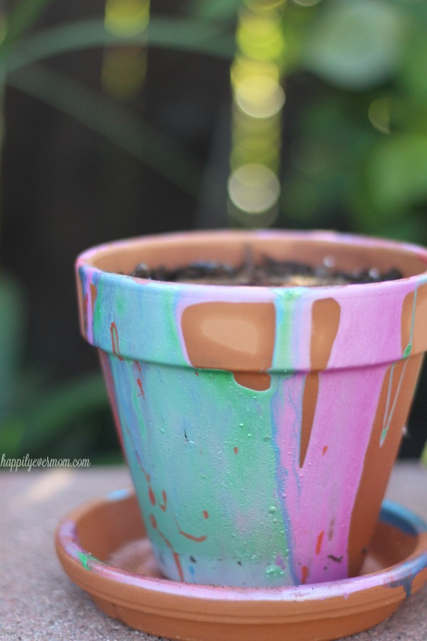 This is such a fun way for kids to paint pots at any age! It's a fun spring activity for kids that will get them excited about growing a garden. #GroablesProject  #ad