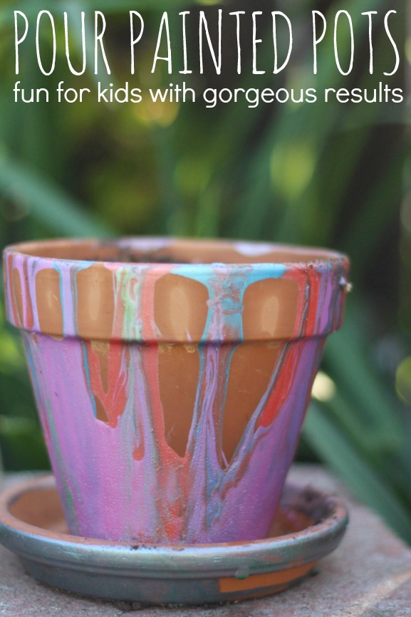 This is such a fun way for kids to paint pots at any age! Check out the video. It's a fun spring activity for kids that will get them excited about growing a garden. #GroablesProject  #ad