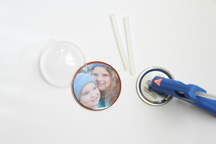 diy-snow-glob-ornament-hot-glue-the-photo