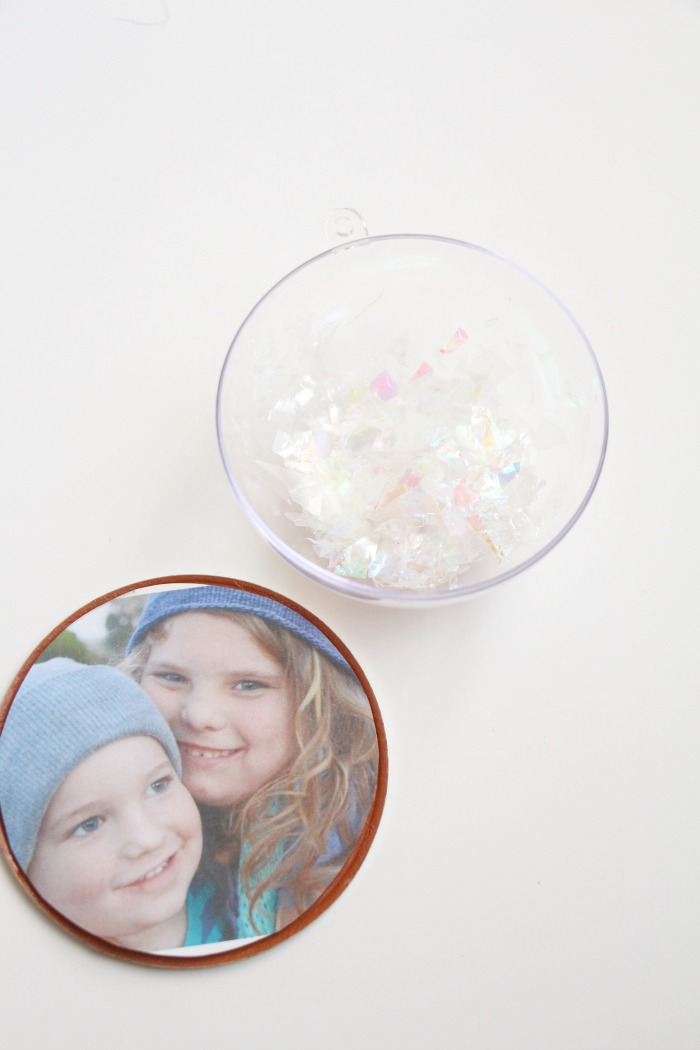 photo-snow-globe-ornament-add-the-snow