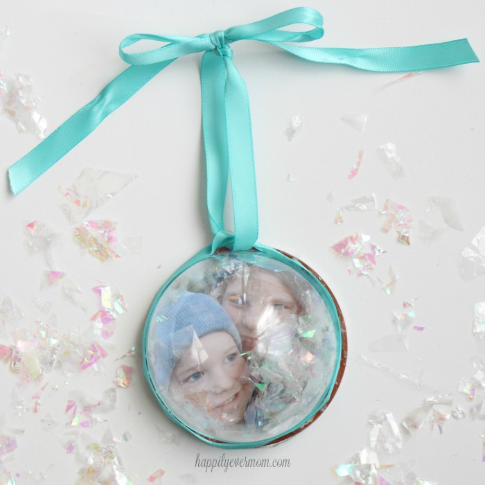 photo-snow-globe-ornament
